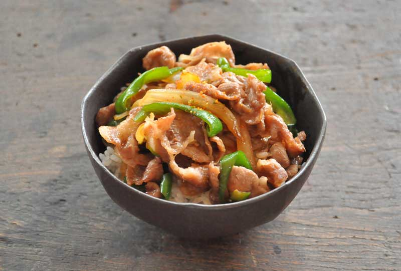 簡単でおいしい豚丼のレシピ/作り方