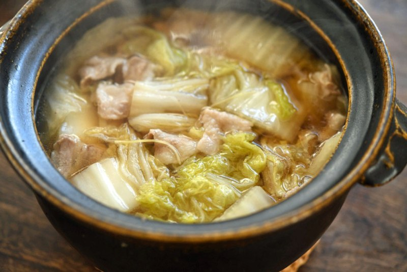 豚バラ白菜の重ね煮レシピ / 生姜きかせたスープ仕立て:白
