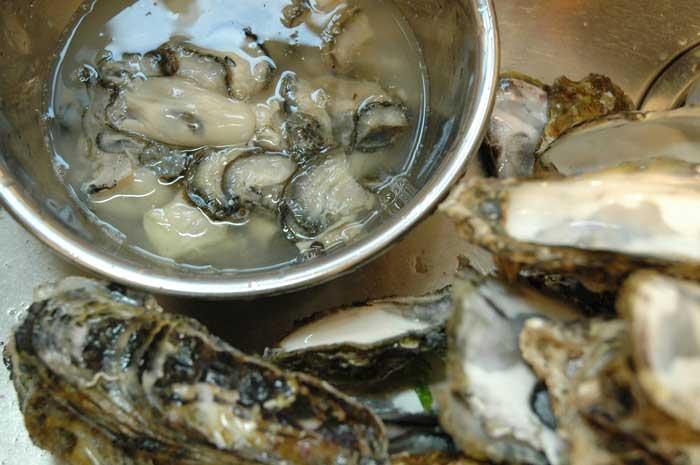 牡蠣の開け方の写真