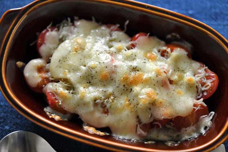 ミニトマトとしらすのチーズ焼きの写真