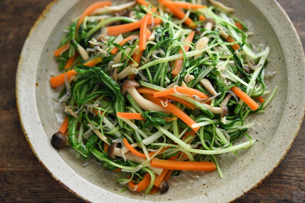 水菜とじゃこの炒め物の写真
