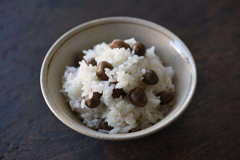 むかごご飯(炊き込みご飯)のレシピ/作り方:白ごはん.com