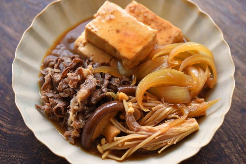 作りやすく野菜もうまい!肉豆腐のレシピ/作り方:白ごはん.com