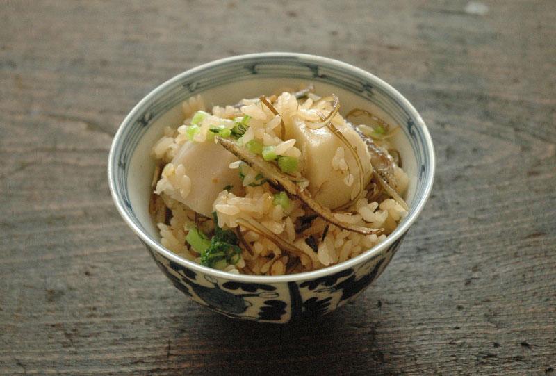 里芋の炊き込みご飯の写真