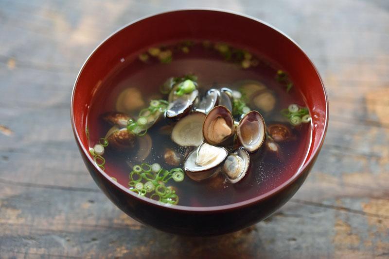 しじみ の 味噌汁 しじみ汁のレシピ/作り方:白ごはん.com