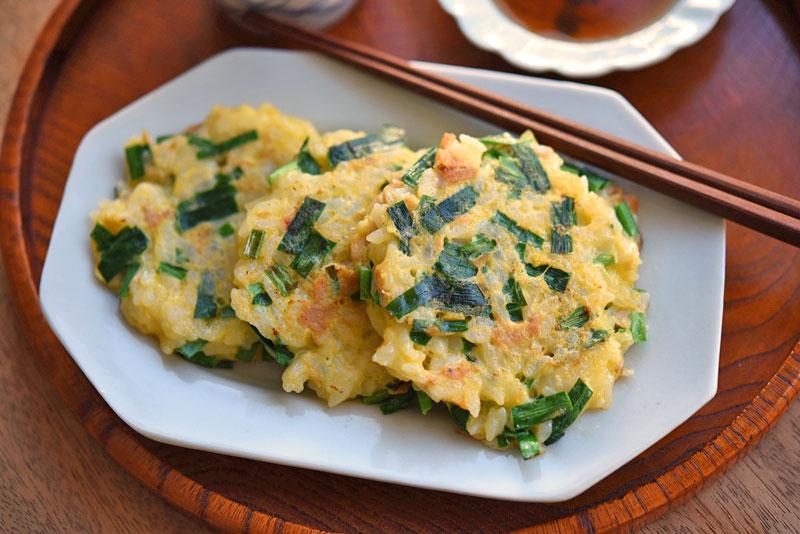 ニラとツナの卵ご飯焼きの写真