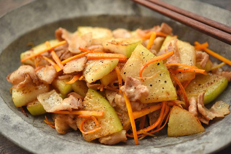 冬瓜と豚バラの炒め物の写真
