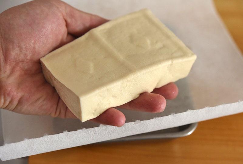 豆腐の水切りと裏ごしのやり方の写真